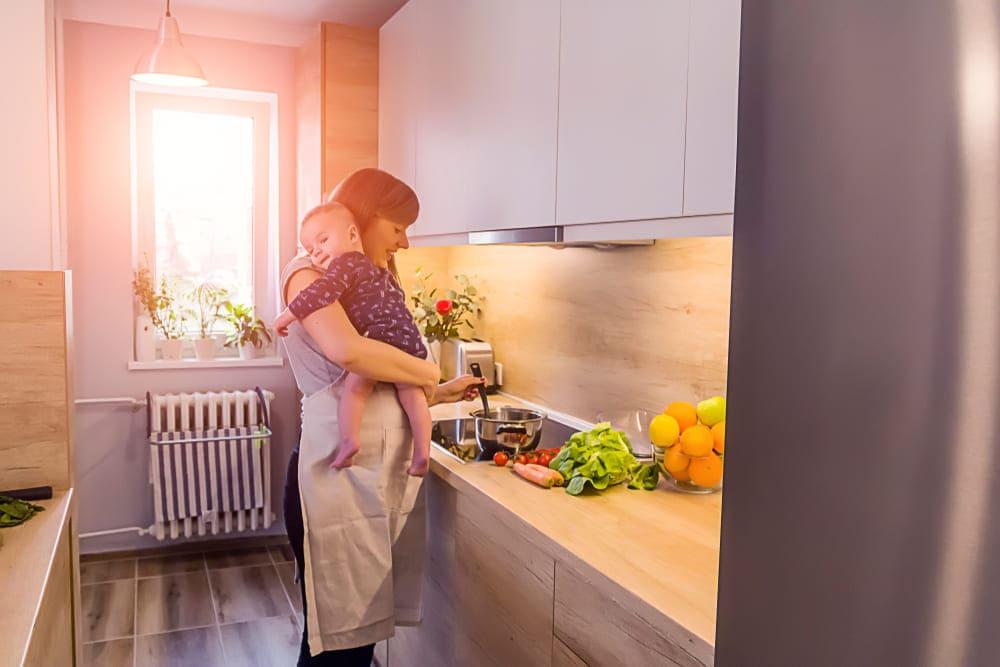 Питание кормящей матери в первый месяц : таблица