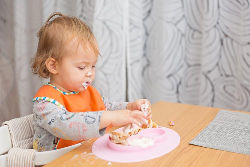Как правильно кормить ребнка в 1 год меню и режим питания