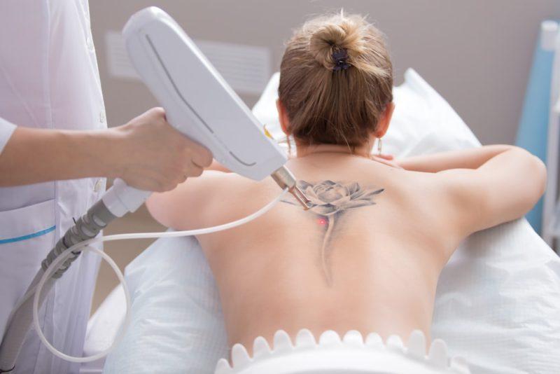 Татуаж при грудном вскармливании: можно ли делать при лактации?