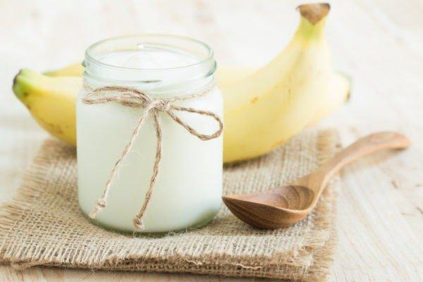 Пюре из домашнего творожка с яблоком и бананом