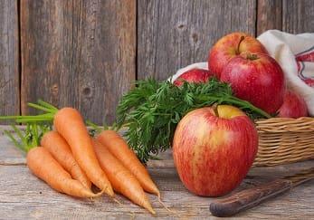Питание в первый месяц при грудном вскармливании: рацион и диета кормящей мамы